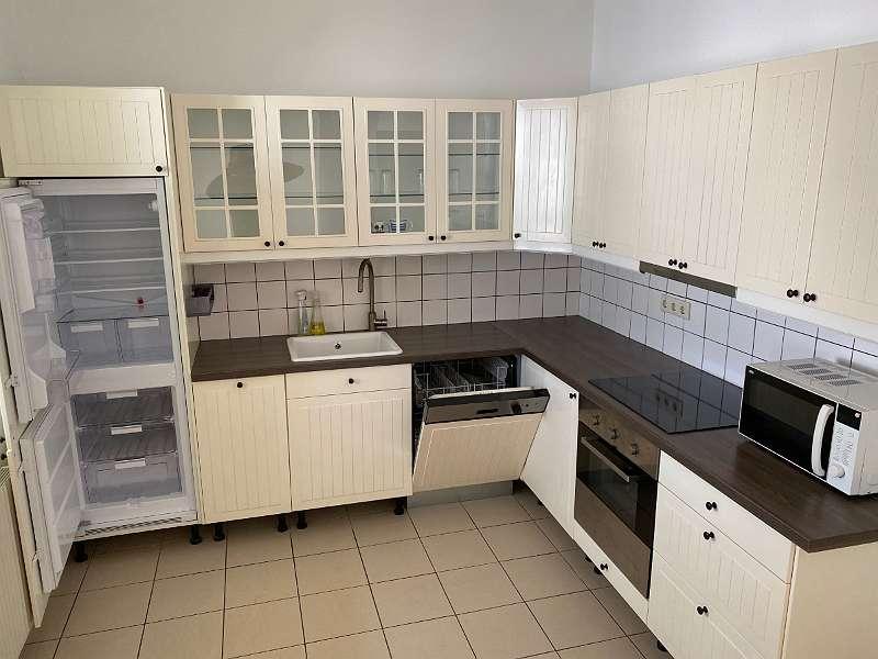 Mödling Enzersdorferstraße, nette 2 Zimmerwohnung, Loggia, Lift und Garage